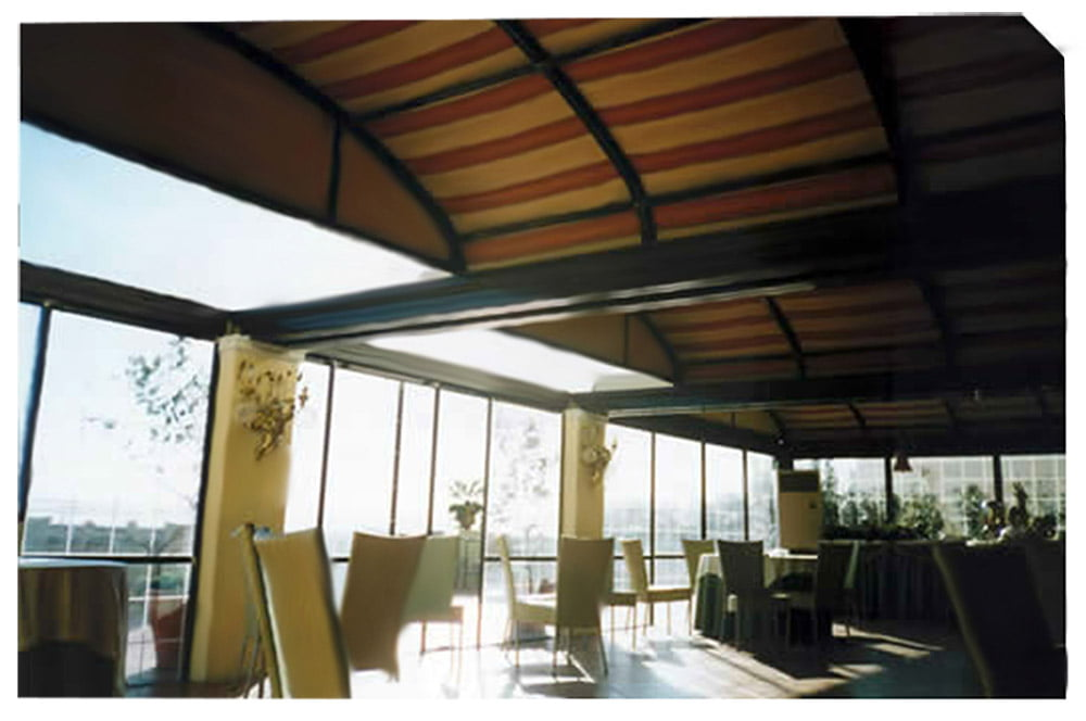 motorized and retractable roof