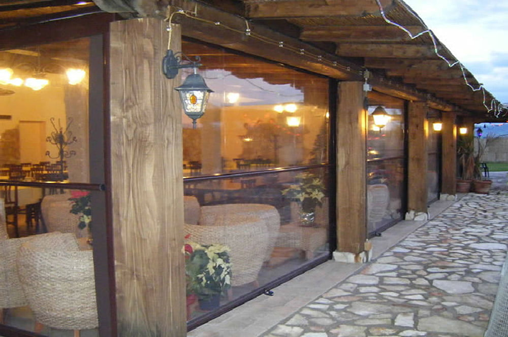 Restaurant Screen Enclosures