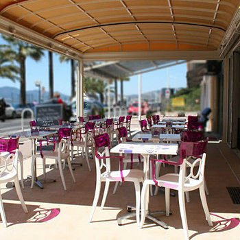 Glacier Couleurs Caraibes retractable patio covers by litra