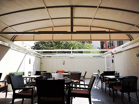 retractable-patio-covers-four-point-by-sheraton-2